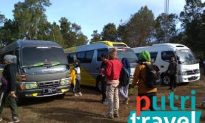 sewa-mobil-tour-kawahijen-mahasiswapoltekes-lombok1